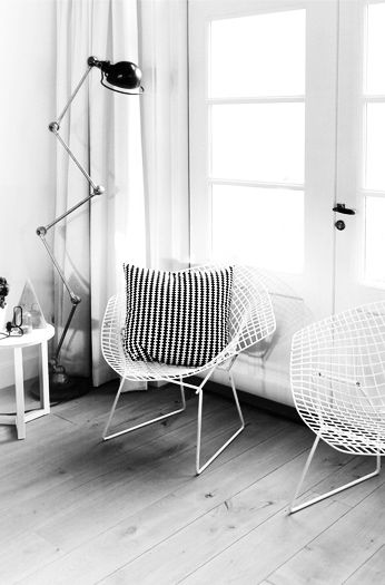 Pleasing Living Room Via Mydubio Bertoia Diamond Chair White Spiritservingveterans Wood Chair Design Ideas Spiritservingveteransorg